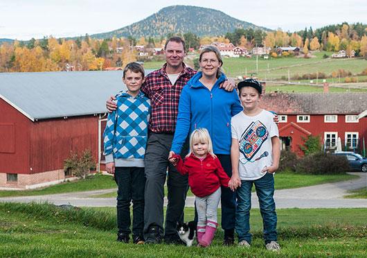 Familjen Björs, Stene, Järvsö. Foto: Pelle Nyberg